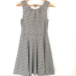 Darling Express Dress! Black and white! EUC! 4